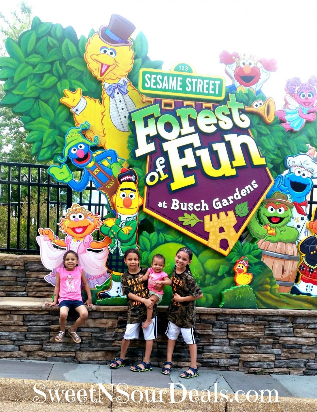 Named the most beautiful theme park for over 28 years, Busch Gardens Williamsburg the ultimate family-friendly park. Today I am sharing 5 Kid-Friendly Attractions at Busch Gardens Williamsburg, for families with small children.