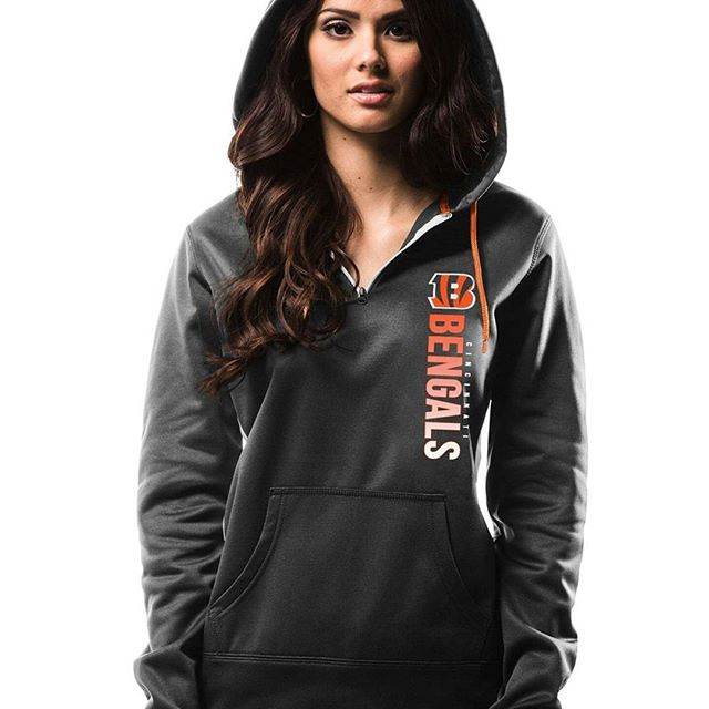 Win a Free Hoodie From Hoodiezz.com