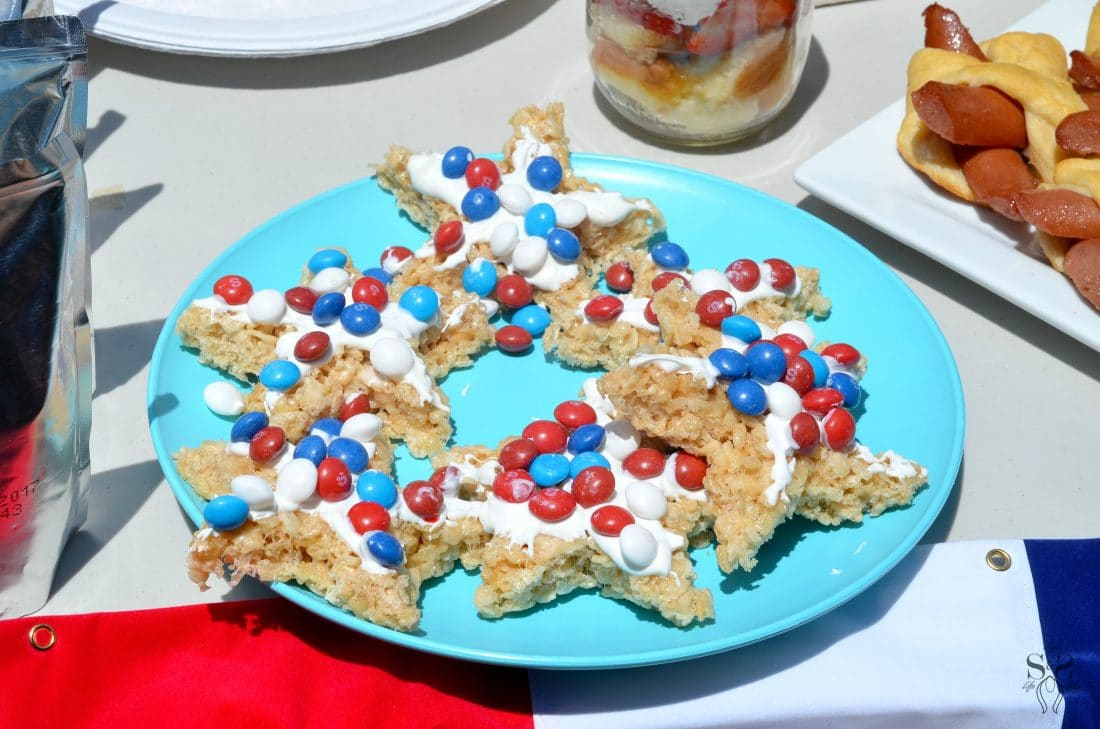 Skittles 4th of July Ideas table 1