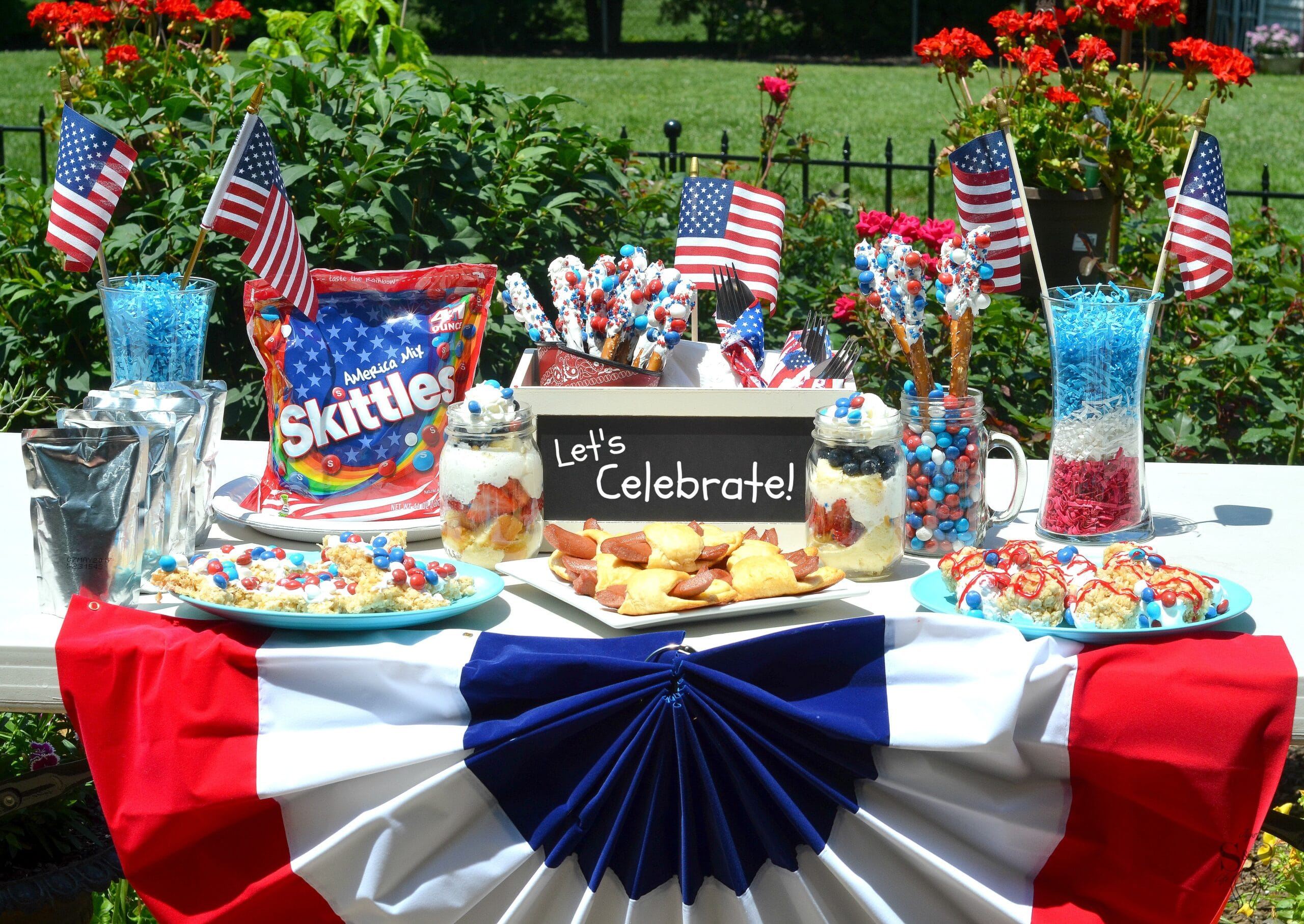 4th of july party idea 39 s skittles inspired treats for Fourth of july party dessert ideas
