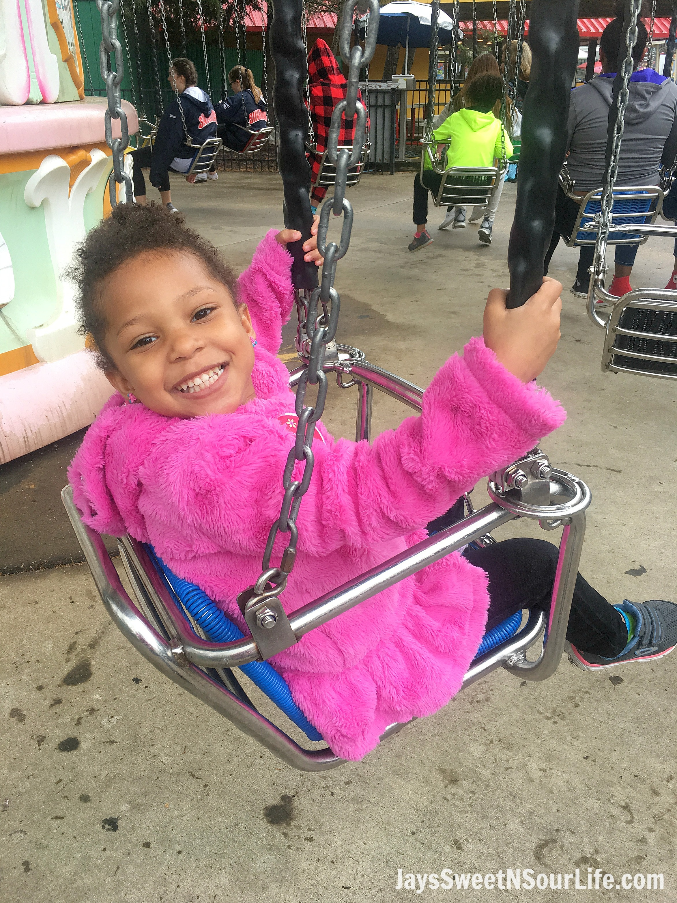 8 Tips For Rainy Day Fun At Six Flags America Esuun Swing. If you are planning a trip to Six Flags America and realized the weather calls for rain don't cancel your plans! These 8 Tips For Rainy Day Fun At Six Flags America will save the day.