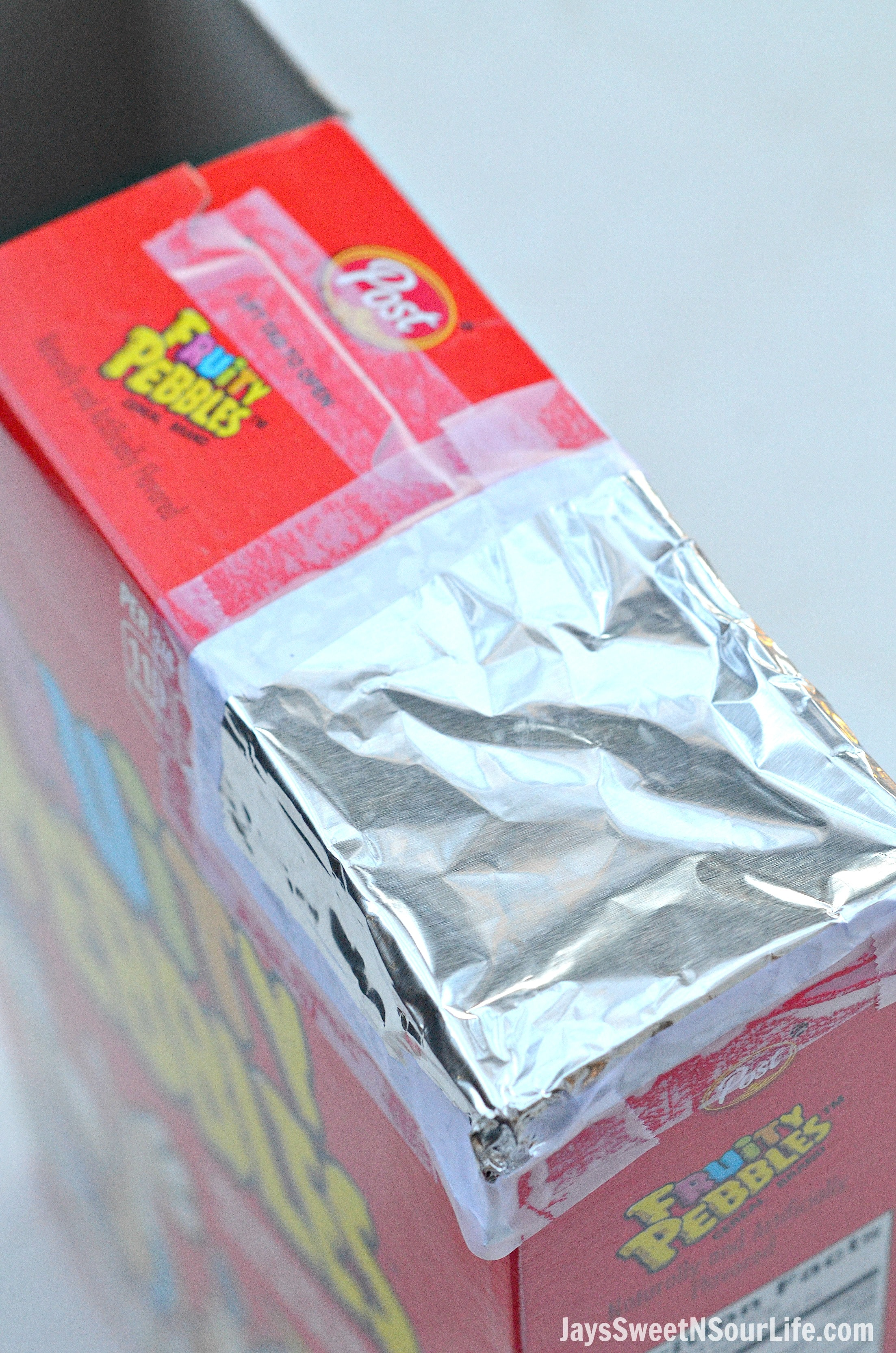 Make your very own DIY Fruity Pebbles Solar Eclipse Viewer for the Great American Eclipse of 2017. An easy-to-follow DIY Solar Eclipse Viewer you can make using tools you probably have lying around the house. This easy-to-make Solar Eclipse Viewer is perfect for families!