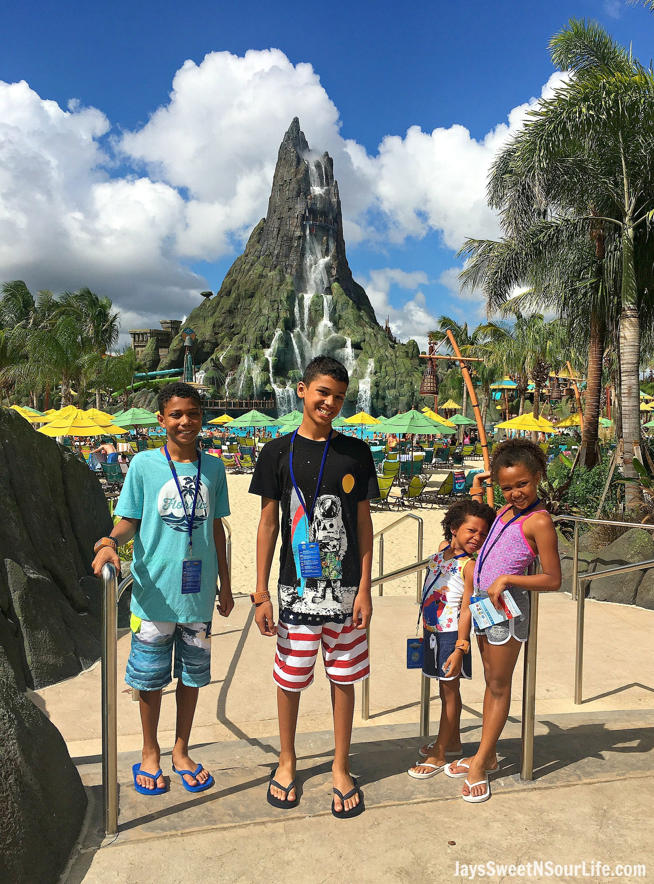 Universal's Volcano Bay Waterpark Review | Orlando, FL