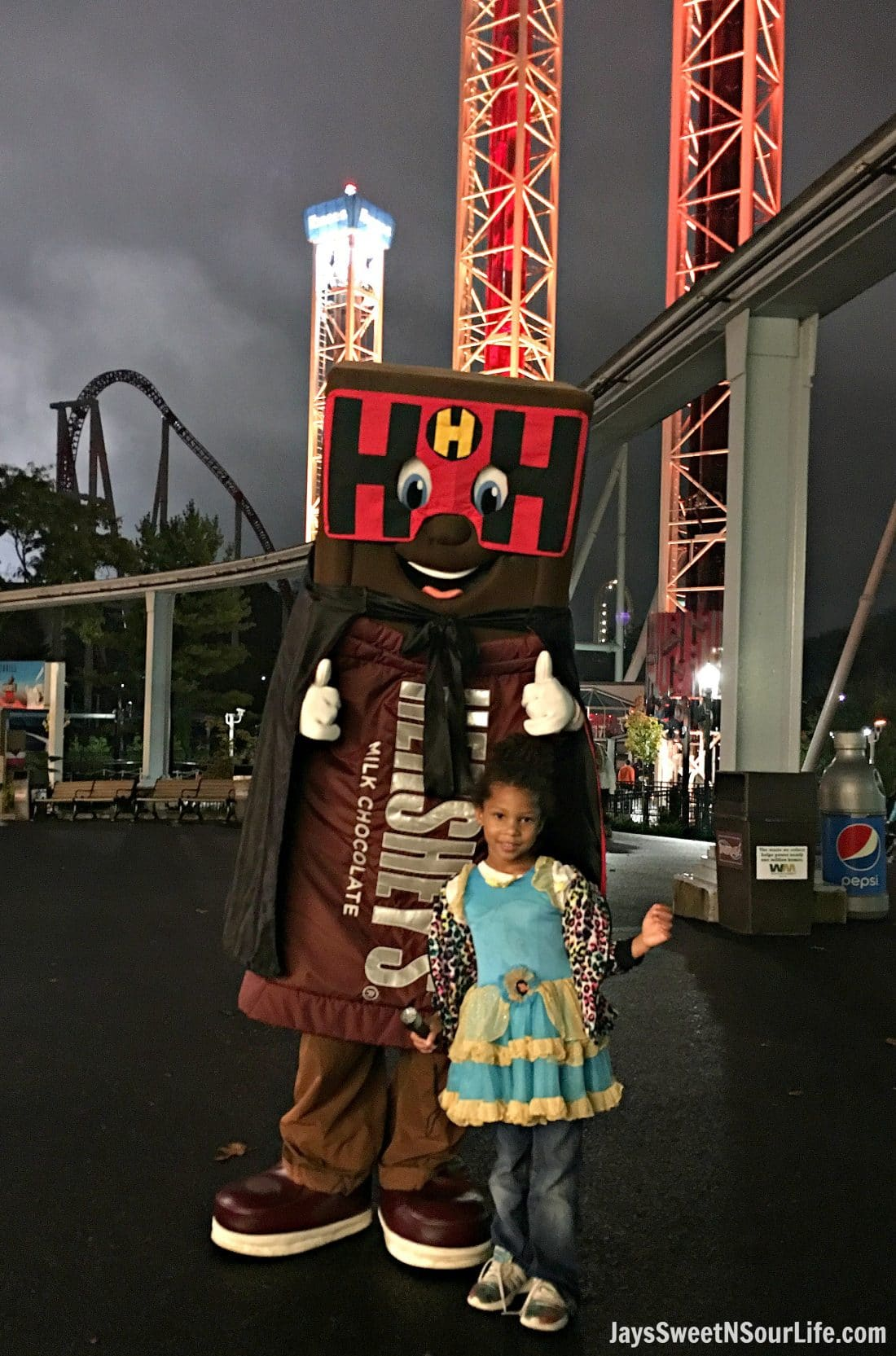 Hersheypark is hosting their annual Hersheypark in The Dark event as well as their Taste of Fall Fest. Read my 10 Tips For A Sweet Trip To Hersheypark In The Dark to help you plan a family-friendly trip to Hershey, PA. This event features the classic Trick or Treat Trail at Treatville and Creatures Of The Night® at ZooAmerica.