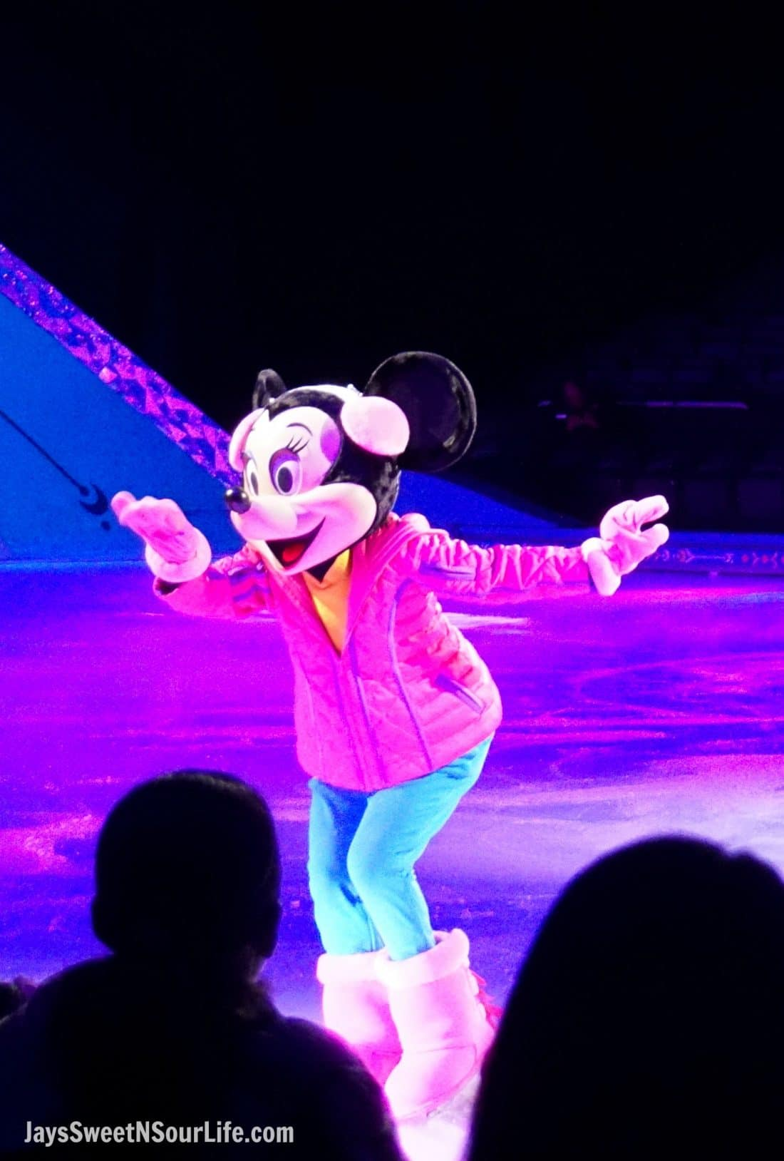 Disney On Ice Presents Frozen coming to a town near you. The beginning of the show with all of the famous Disney Chracters including Minnie Mouse.