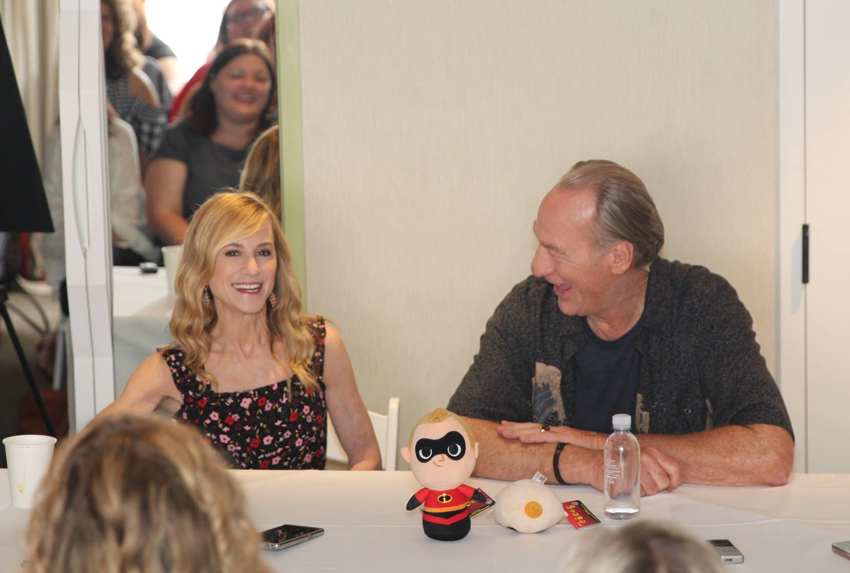 Incredibles 2 Interview with Craig T. Nelson & Holly Hunter | Mr. Incredible and Elastigirl Inside Look