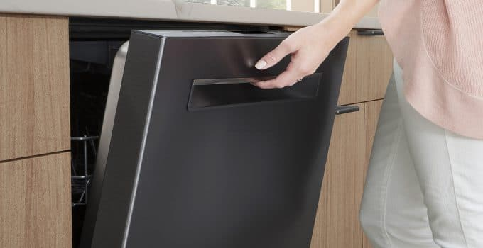 5 Signs You May Need A New Dishwasher