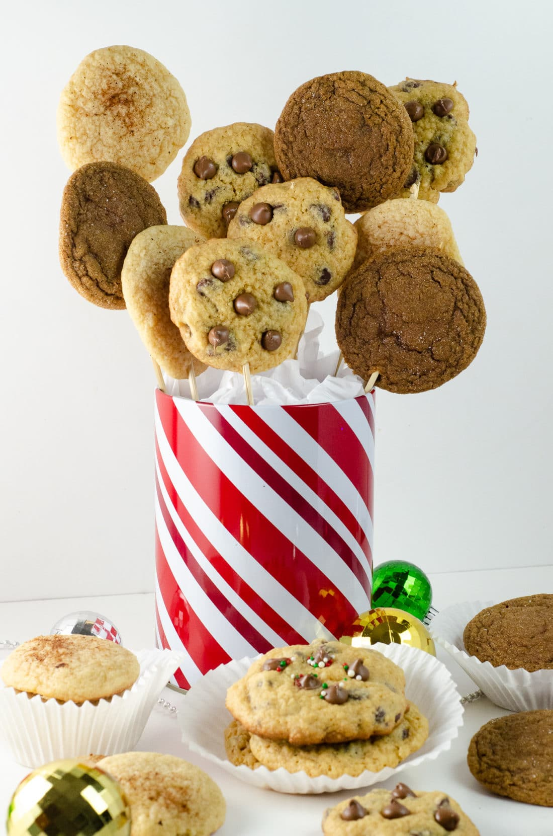 """Holiday Teachers Gift Ideas Cookies. Nothing says """"Happy Holidays"""" like a Holiday Teachers Gift. Read more about my three fun Holiday Teachers Gift Ideas for your family to try this holiday season."""