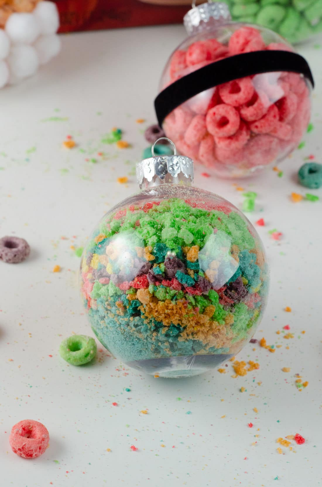 Christmas Ornament Ideas for Kids Using Cereal Abstract Santa Belly. It's time to let the kids be the boss for this new kid-friendlyChristmas DIY. Rethink Cereal with somr my Christmas Ornament Ideas for Kids Using Cereal.