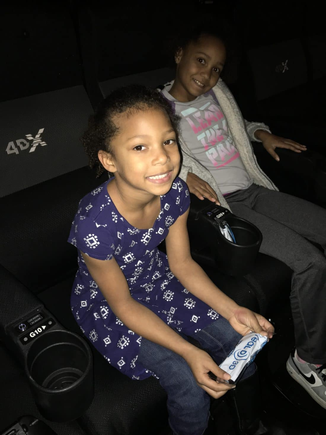 Regal Cinema 4dx Girls. Read about why everything is awesome with the new Regal Cinema 4DX Expierence for The LEGO Movie 2: The 2nd Part. Full review with photos.