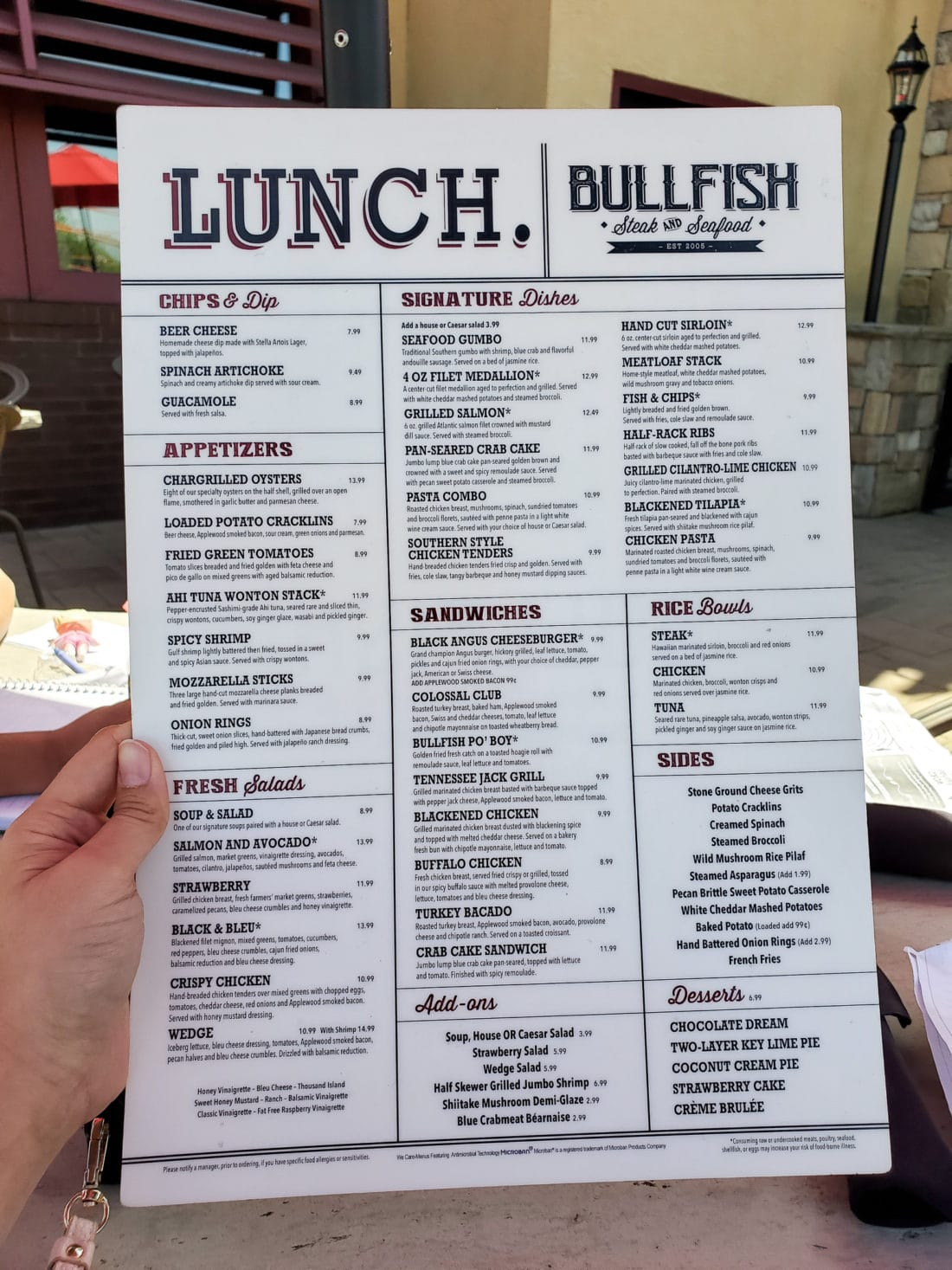 Bullfish Grill Lunch Menu Pigeon Forge, TN. The Bullfish Grill offers a superb dining expierence built for families to enjoy. Enjoy freshly baked bread with a backdrop of the beautiful Smoky Mountains. View the menu and all the foods we enjoyed during our visit on the blog.