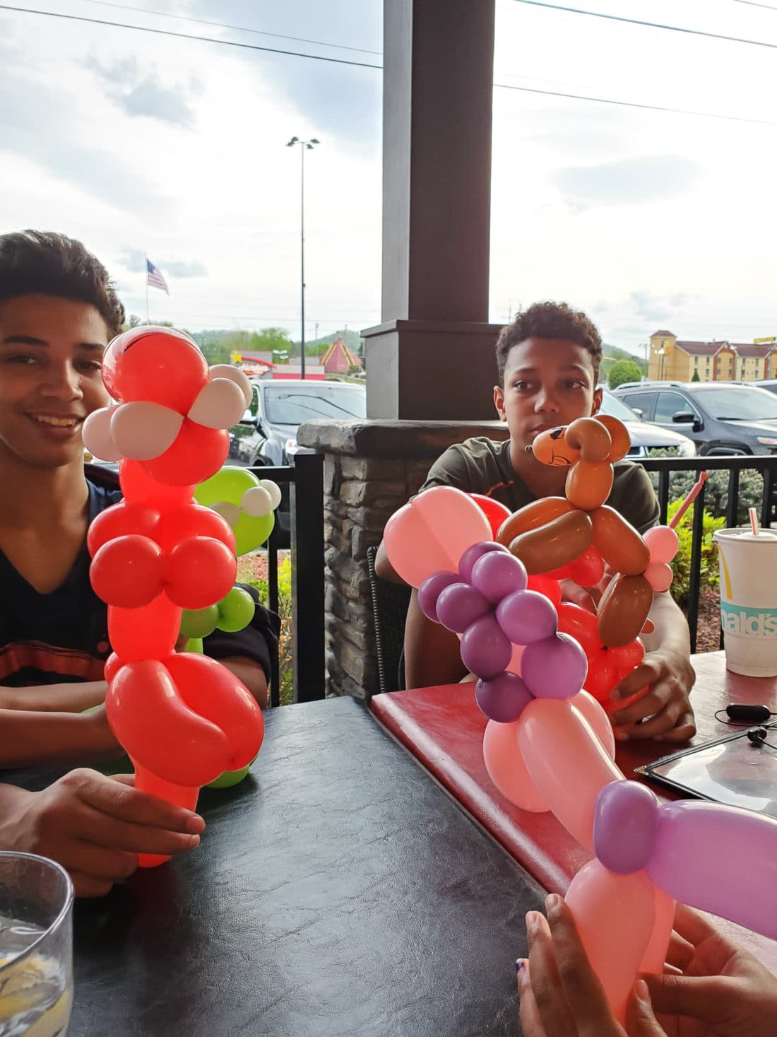 Big Daddy's Pizzeria Balloon Animals Teens. This is not your average pizza pie! At the heart of Big Daddy's is a 550 degree, wood-fired flame inside of a one-of-a-kind brick oven. Read all about why this freshly made pizza is my families go to pizza joint in Pigeon Forge, TN.