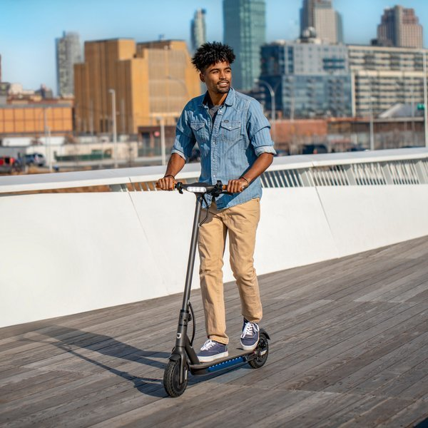 Jetson Quest Electric Scooter Lifestyle. Let the Jetson Quest Electric Scooter take you back to school and give your student easy way to get to and around campus. Find it at your local Best Buy or on BestBuy.com.