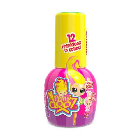 Spin the nail polish bottle to find the all new Minidooz! There are 12 adorable tiny dooz to collect, each frooty scented and posing in her salon chair, ready for you to style her hair! Put her on a pencil top or attach the included suction cup and stick her everywhere! Look out for the Cheeky Marks nail sticker sheet too!