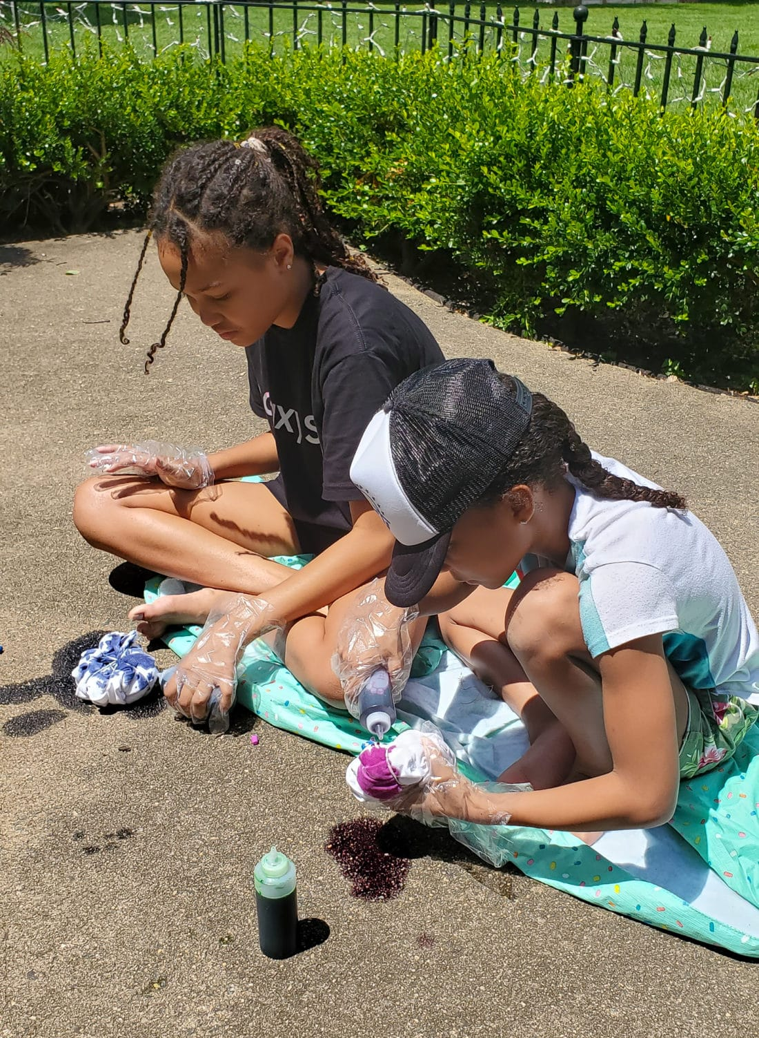 Camper Warner Bros. Tie-Dye Camper Shirts Girls. Join us as we adventure through 8 weeks of Virtual Camp Warner Bros. Each week will feature a new fun family friendly activity and a Warner Bros. Show or Movie. This week featured a Camper Shirt Tie-Dye activity.
