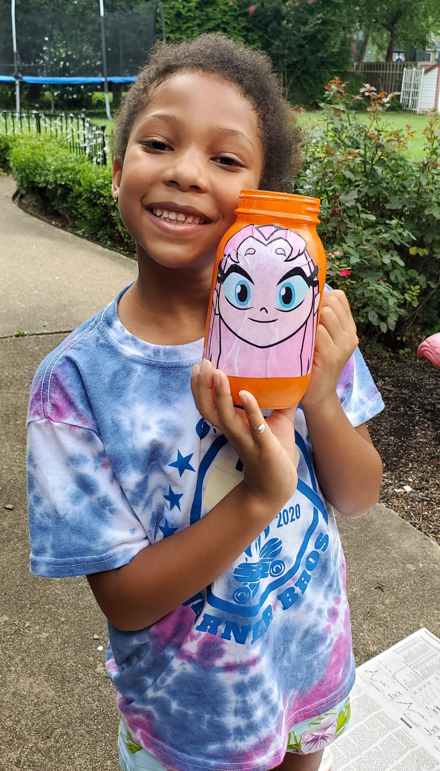 . Teen Titans Go!Character Banks Starfire EsuunIt's week 5 at Camp Warner Bros.! It's time to get crafty with this week's activity Teen Titans Go! Vs. Teen Titans Character Banks. Grab your printables on my blog, along with some more supplies to create your very own Teen Titans Go! vs Teen Titans Character Banks.