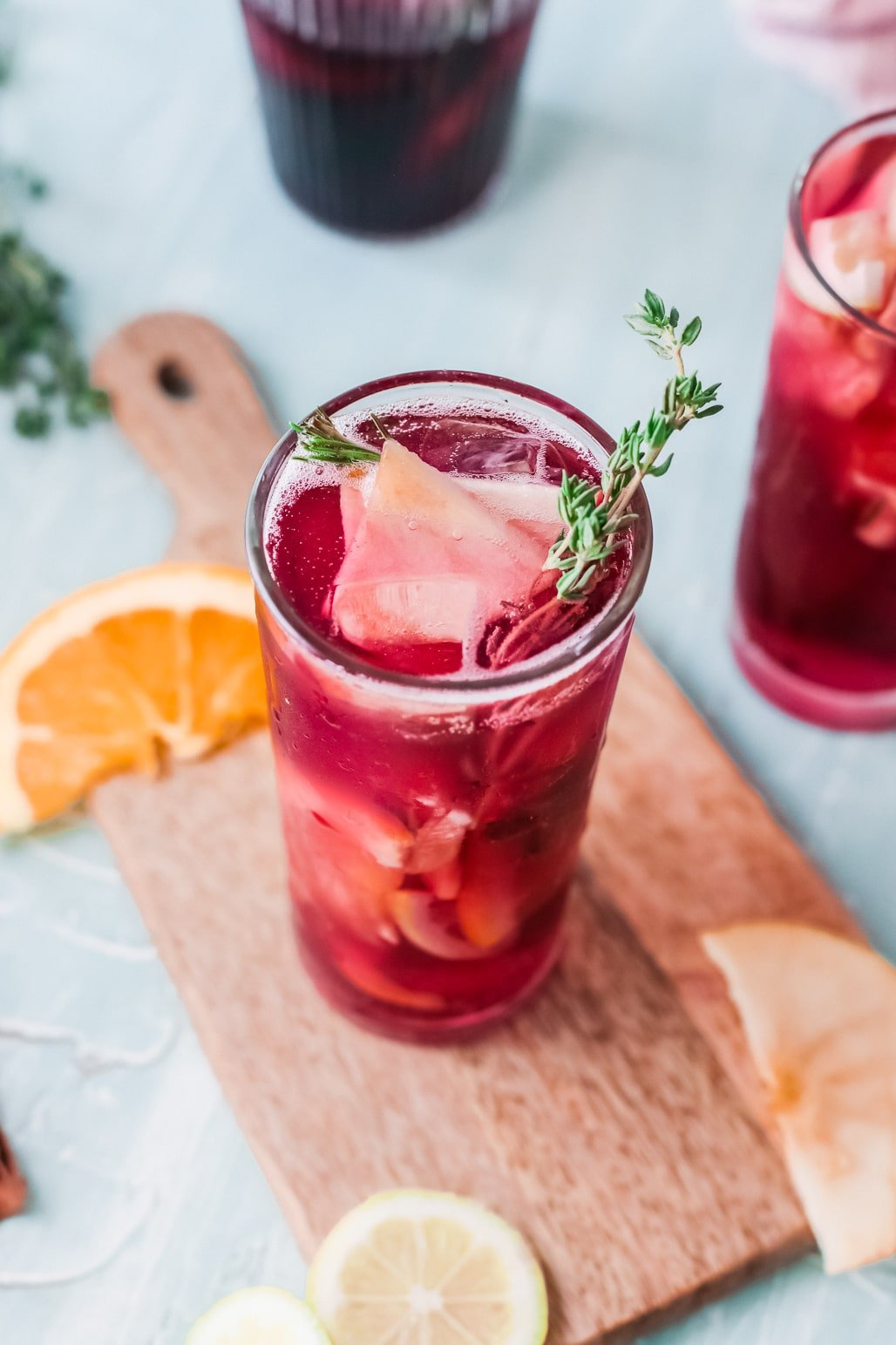 Sparkling Red Wine Sangria Garnish. Celebrate any occasion with this festive Sparkling Red Wine Sangria, made with fresh cut oranges, apples, red wine, and more! This festive fruit-infused Sparkling Sangria is an easy make-ahead cocktail that is perfect for large and small gatherings.