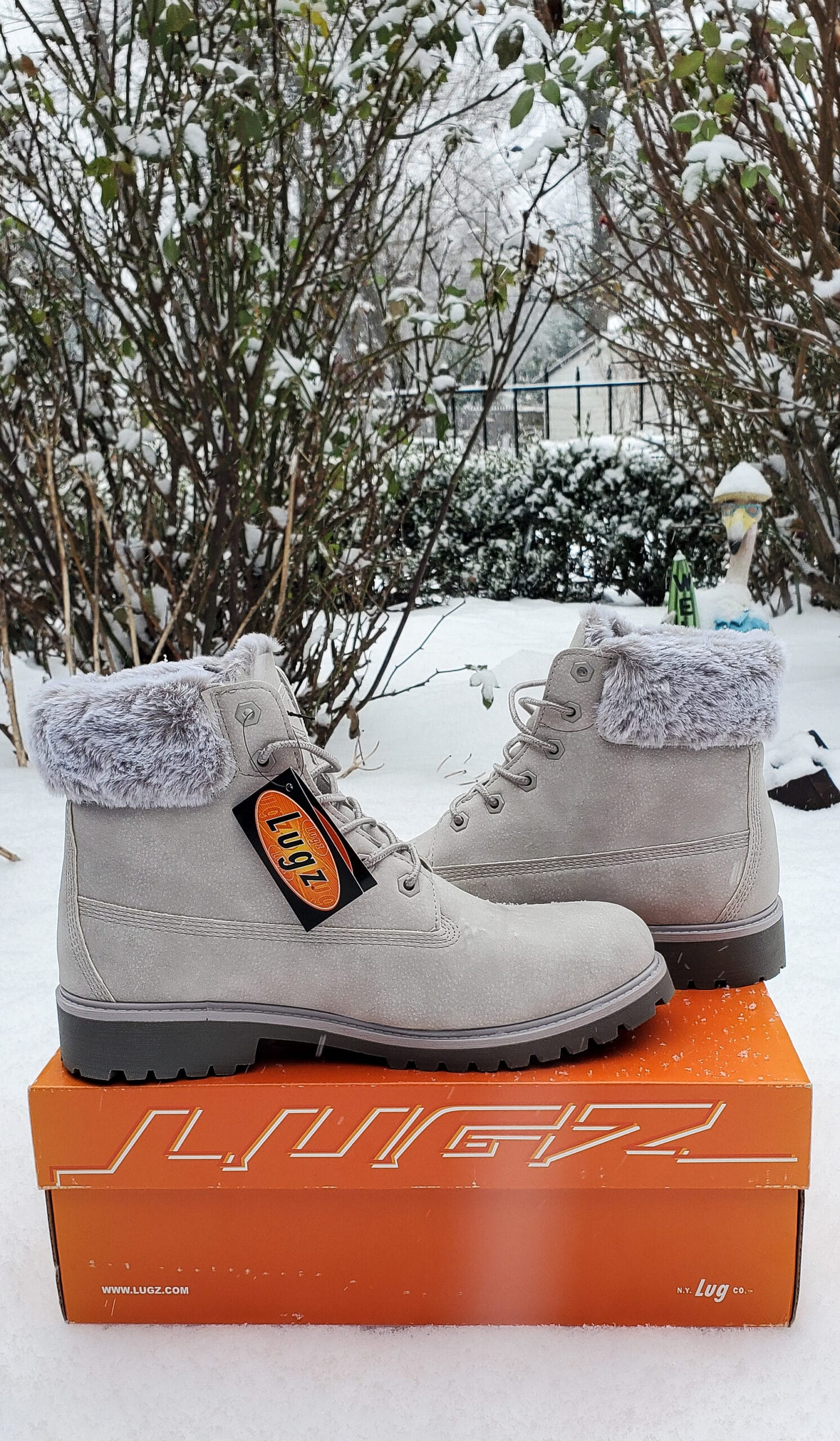 Lugz Convoy Fur Boot Review. Easy to style and fits seamlessly into my winter wardrobe. Read why I'm recommending this comfy and stylish gift in my Lugz Convoy Fur Boot Review.