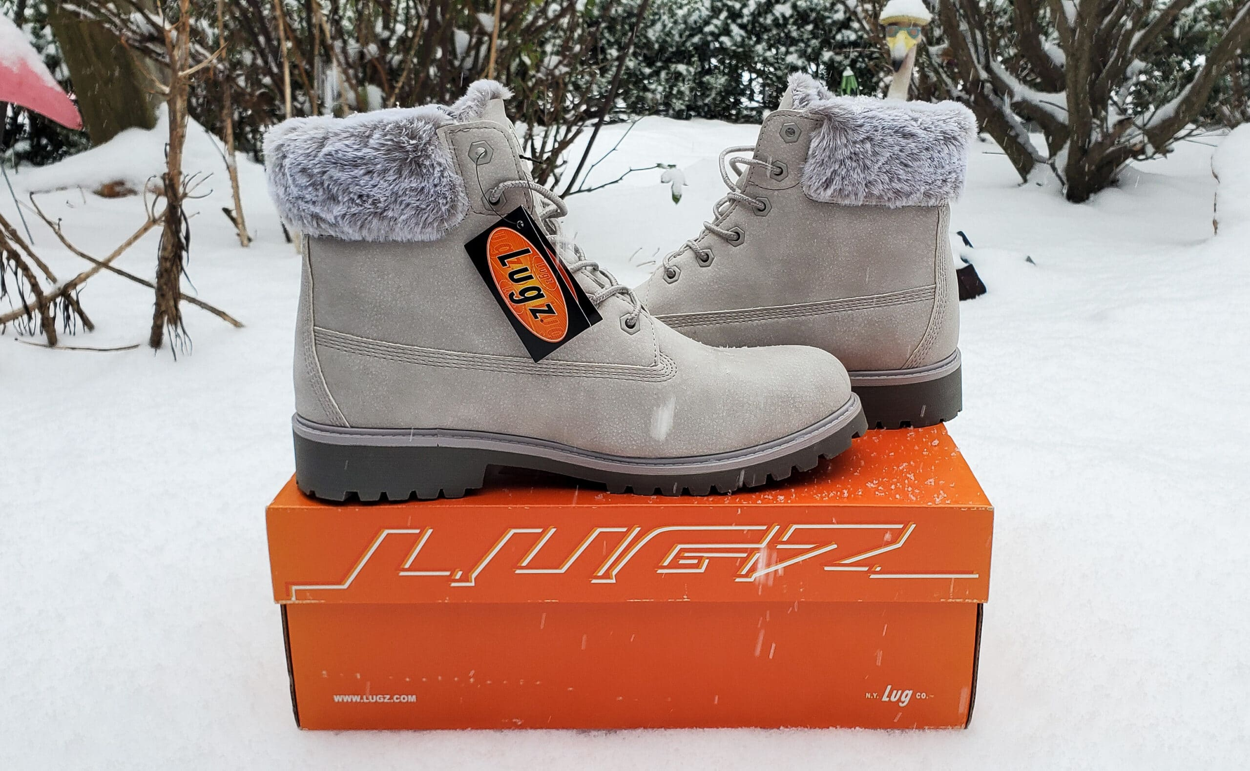 Lugz Convoy Fur Boot. Easy to style and fits seamlessly into my winter wardrobe. Read why I'm recommending this comfy and stylish gift in my Lugz Convoy Fur Boot Review.
