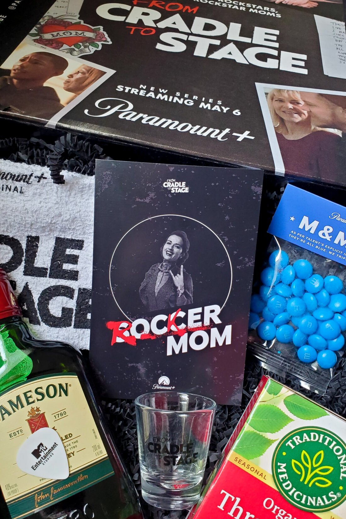 To celebrate the May 6th premiere of Dave Grohl and Virginia Hanlon Grohl's unscripted series FROM CRADLE TO STAGE, Paramount+ and MTV Entertainment Group sent me this awesome mailer! I love everything about this! If there was ever a box fit for a rockin mom, this would be it!