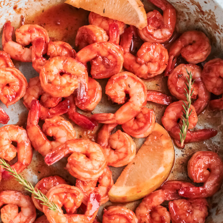 This quick and easy Mexican Shrimp recipe that's ready in just 20 minutes! It's a one-pot dinner dish with plump juicy shrimp, cooked in a spicy Mexican shrimp seasoning, serve with cilantro lime rice or in tacos.